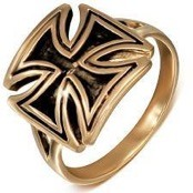 Bronze Ring mit Malteserkreuz-Design.